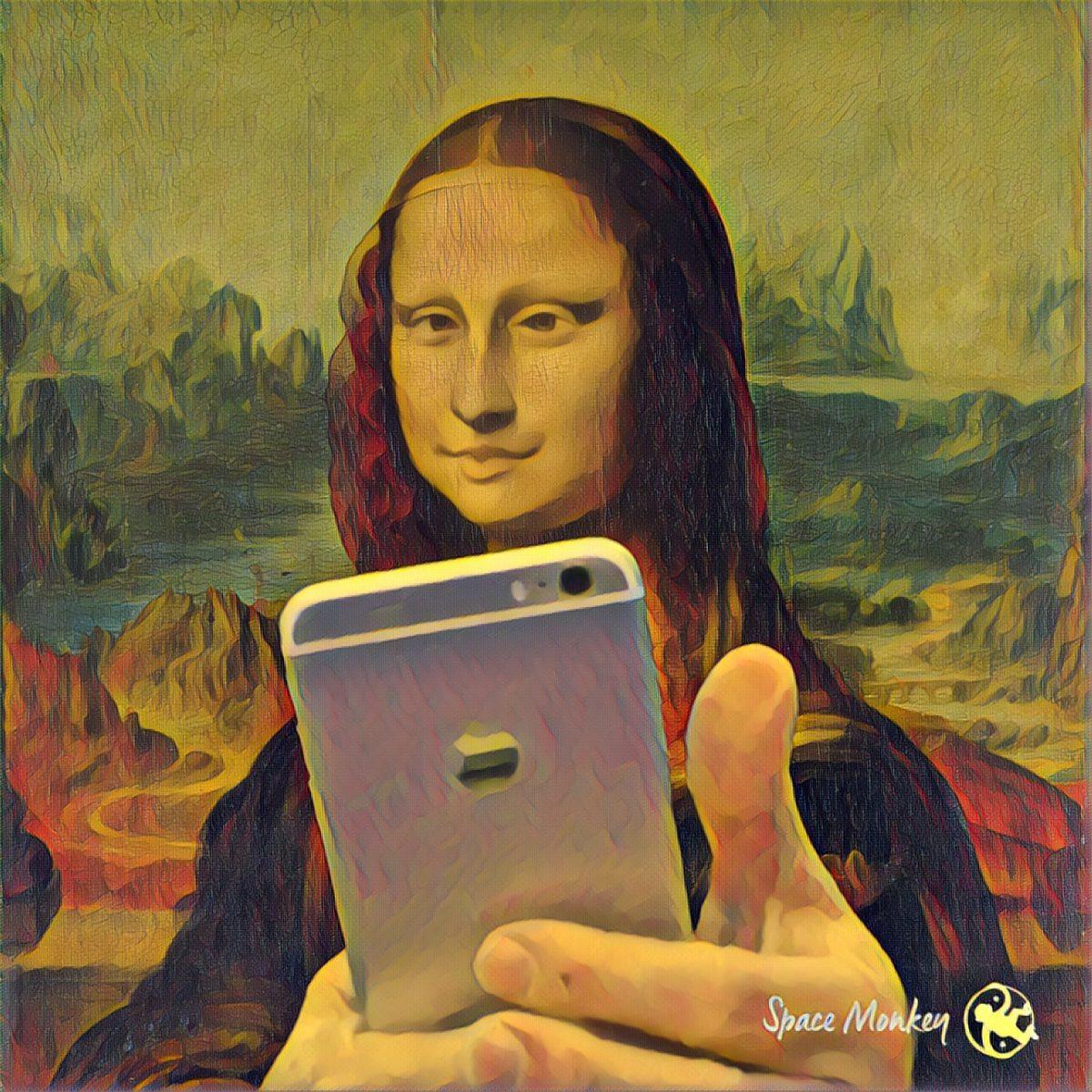 mona lisa selfie cape odd